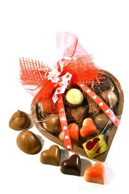 Chocoladehart gevuld met Bonbons en Hartjesbonbons
